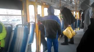 Nasraný ožrala v tramvaji