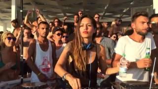 Deborah De Luca playing Julian Jeweil - Los Pistolos (Original Mix)