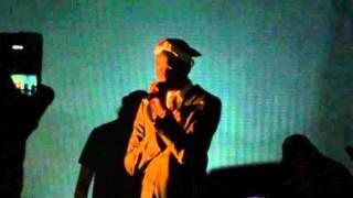 Loud Lary Ajust : Automne (Feat. Karim Ouellet) Live au Metropolis