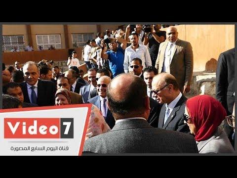 وزيرا التعليم والإنتاج الحربى يشاركان طلاب تحيا مصر تحية العلم