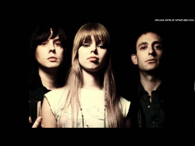 Chromatics Tick Of The Clock banda sonora drive