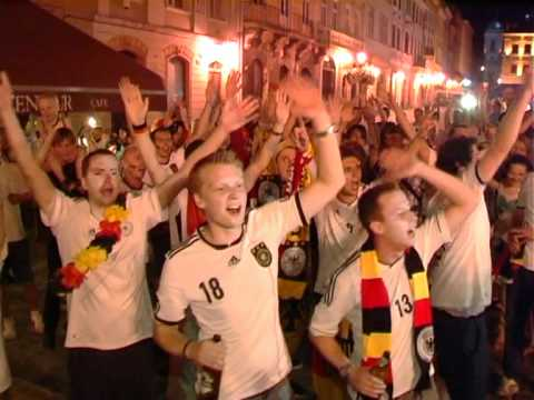 "Germans shout ""Ukraine"" in Lviv"