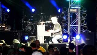 The Offspring- Gone Away On Piano Live 7/11/10