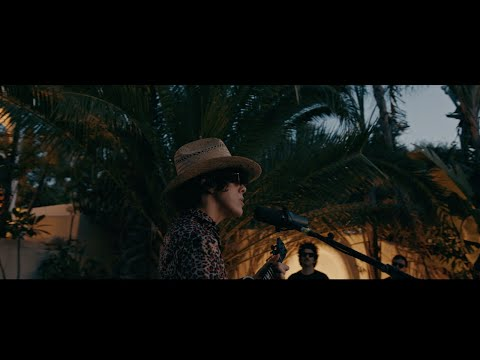 LP - The One That You Love (Acoustic Performance - Live at Hotel Havana)