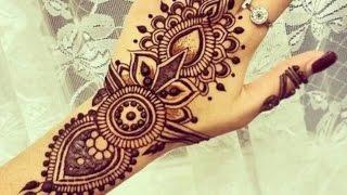 Fazendo tatuagem de henna :)