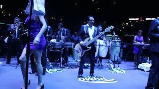 LOS ÁNGELES AZULES ofrecen una incansable noche de baile en el Domo Care 2018