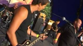 Hollywoodoo - Üzenem Anyádnak (video: Sziget 2008 - MR2 Stage)