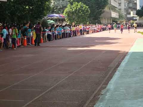六年級女生100公尺 商妤欣 - YouTube