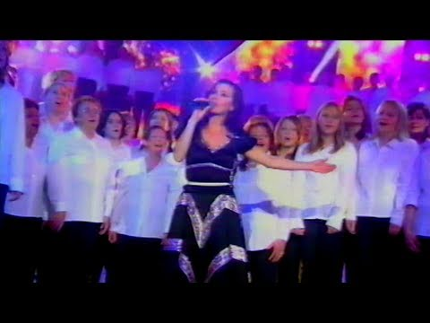 tina-arena-aller-plus-haut-live-on-500-choristes-2005-dareu2behappy