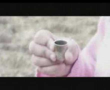 Las Piernas De Cristo de Siniestro Total Letra y Video