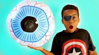 Eyeball POPS OUT! - Shasha and Shiloh Onyx Kids