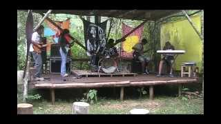 lutamospelaterra roots reggae Youth Man cover The Congos
