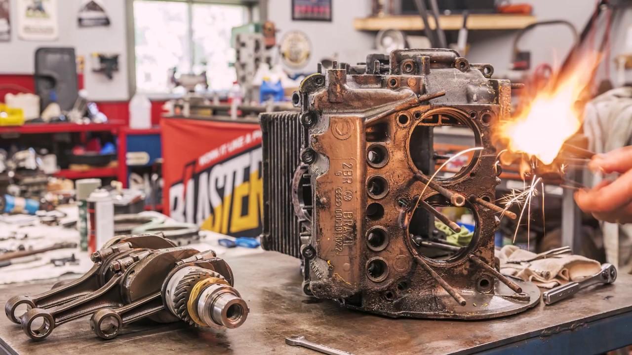 Here's how Redline Rebuilds put together a 1973 Volkswagen Beetle engine
