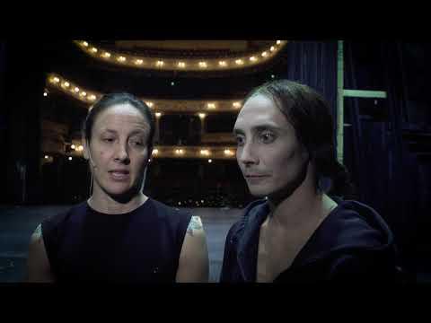 Skådespelare och cirkusartister möts i föreställningen Guds olydiga revben