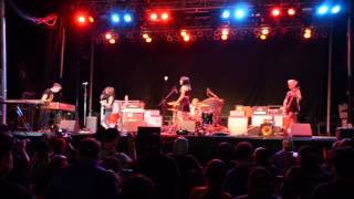 Doll Skin opens for Social Distortion