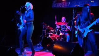 Chameleon - Anthem, Live
