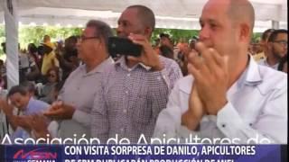 Con visita sorpresa de Danilo, apicultores de SPM duplicarían producción de miel