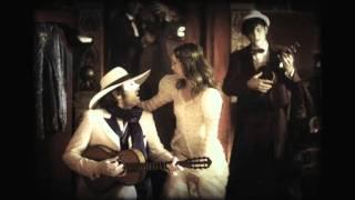 """Vanessa Paradis et -M- dans """"La Seine"""" (clip officiel d'UN MONSTRE A PARIS)"""