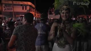 Boi de Rua do Caprichoso arrasta a nação azul na ilha encantada