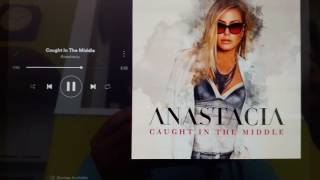 Anastacia Caught in the middle