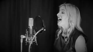 "Frank Sinatra ""Fly Me to the Moon"" cover by Crystal Lewis"