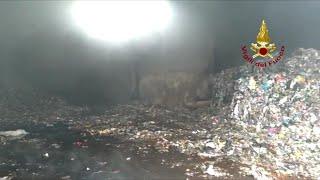 Incendio Stir nel Casertano, l'intervento dei vigili del fuoco