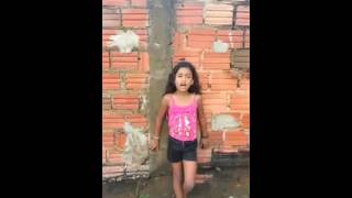 Garota de 8 Anos Canta - Jesus de nazaré.