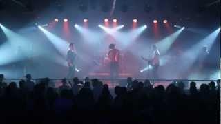Elvis & Thiego - Assim Você Mata O Papai (Sorriso Maroto) - Ao vivo no Terra Country