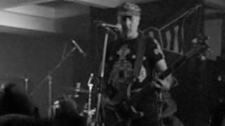 ΧΑΟΤΙΚΟ ΤΕΛΟΣ-σκοταδι και μοναξια(live)