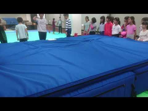 體育練跳高基本動作二 - YouTube