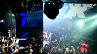 Cosmic Gate opening Pacha NY 1/21/2011 Let Go (Nic Chagall Remix)