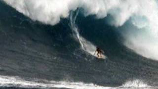 Young Surfer Hits Maui Jaws With The Masters