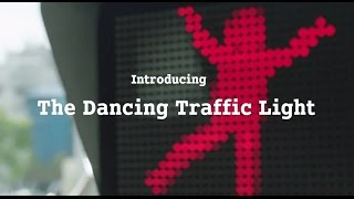 The Dancing Traffic Light Manikin by smart