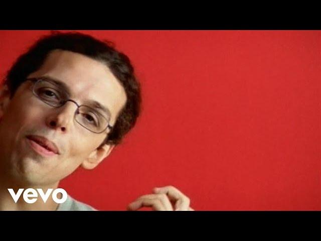Video oficial del tema La lluvia nunca llueve hacia arriba del cantautor canario Pedro Guerra