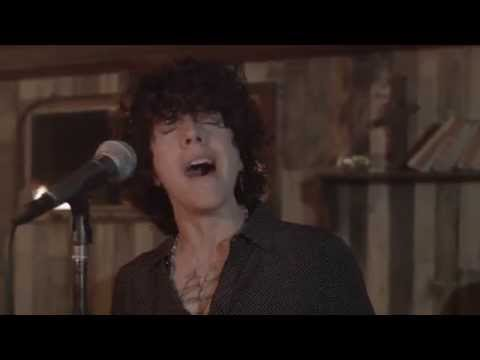 LP - Lost On You LIVE
