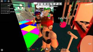 Cry baby Song/ melanie martinez  (Roblox music video)