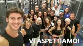 Gruppo istruttori fitness a terra e in acqua by Coopernuoto