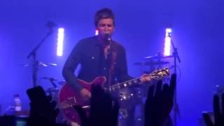 Noel Gallagher's High Flying Birds - Don't Look Back In Anger (snippet) - Zagreb 16/08/2016