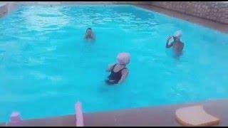 Meus pulos na piscina na natação ( FT Sofia para meninas )
