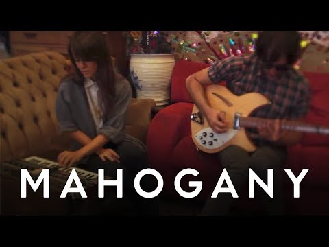 the-hundred-in-the-hands-pigeons-mahogany-session-the-mahogany-sessions