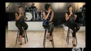 "Rihanna sings ""Hate That I Love You"" (Yahoo! Pepsi Smash)"
