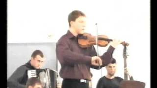 "Mihai Ciobanu jr. performing ""Hora instrumentala si de joc"""