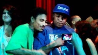 B.G KNOCC OUT SHOWS UP BONE THUGS N HARMONY CONCERT YOSHIS 2011