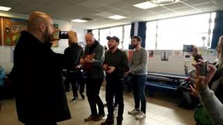 Claudio Capéo en concert très privé à l'Espace Social du Grand-Ramier