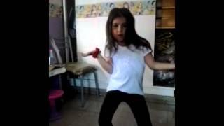 LUCIA CHIQUITA- bailando reggeton