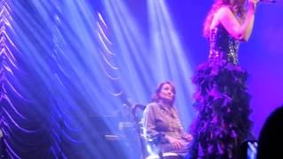 """Pastora Soler cantando """"Madre"""" en Barcelona 8/2/2014"""