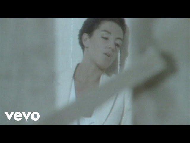 """Video de """"Mujer contra mujer"""" de Mecano"""