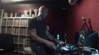 DJ MOUSS - THAT'S WHVT I LIKE ( Scratch Room )