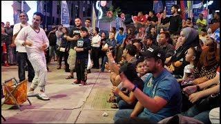 hang pi mana-Nurul dan adik danisa feat Redeem buskers,penonton banyak happy