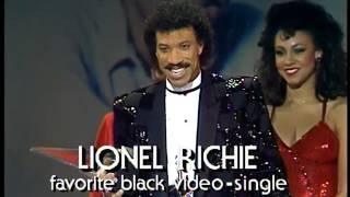 Lionel Richie Wins Black Single Video - AMA 1985